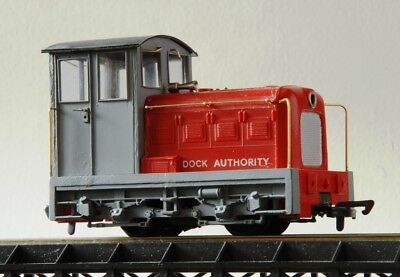 Smallbrook ILLUS 7mm scale conversion kit for Hornby Dock Authority shunter P3