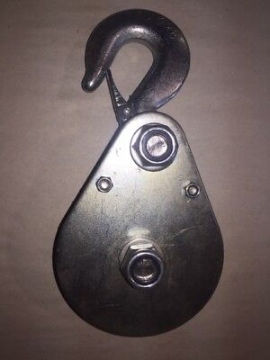 """4"""" Snatch Block 2160 lbs.for rope/cable Lifting Pulley Winch Block W Safety Clip"""