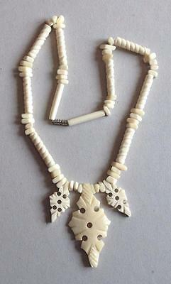 Antique Nice Bovine Βονε Carved Ivory Color Beads Necklace Pendant