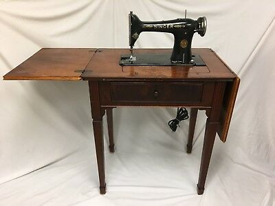 Vintage 1930 Singer Sewing Machine 101 4 ( AC958882) W/ Deluxe Library Table