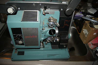 Bell & Howell Filmosound Specialist 540   16MM FILM PROJECTOR WITH SOUND