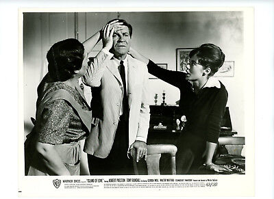 ISLAND OF LOVE Original Movie Still 8x10 Robert Preston Georgia Moll 1963 8117