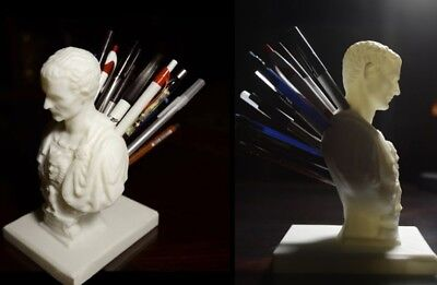 Julius Caesar Pencil/Pen Holder for Desk