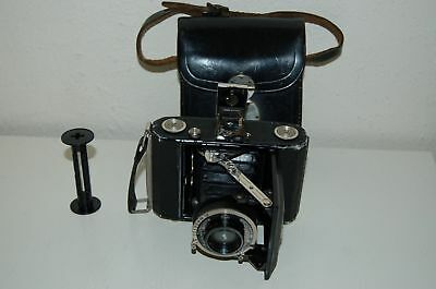 Zeiss Ikon Ikonta 520 Small Folding Camera. Novar 4.5 / 7.5 CM Lens. UK Sale.