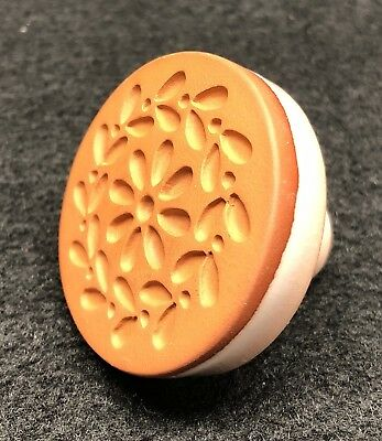 Rycraft Cookie Stamp #238 Daisy Chain Heirloom Collection Terra Cotta 2 Inch Dia