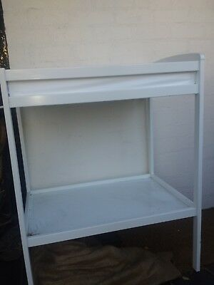 As New Baby Bunting White Baby Change Table
