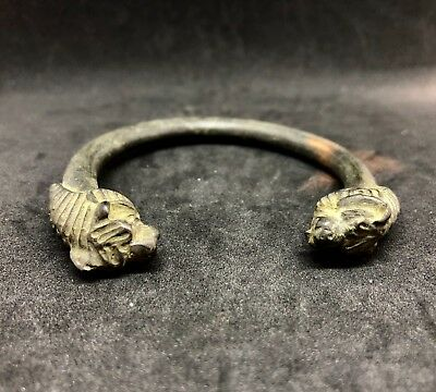 ANCIENT ROMAN BRONZE BRACELET LION HEADS ON ENDS 74mm CIRCA 400AD
