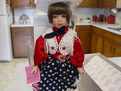 """Paradise Galleries Doll  """"Glory"""" Musical The Star Spangled Banner  (New In Box)"""