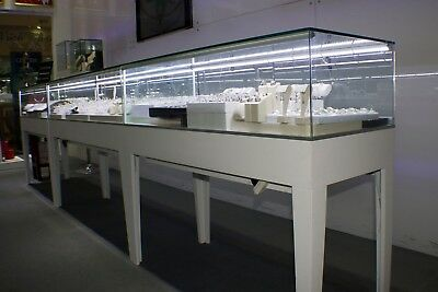 48' Clear Glass Rectangular Displaying Showcase With White Wooden Frame With Led