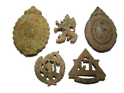 LOT of 5 pcs. INTERESTING VINTAGE MILITARY INSIGNAE, AS FOUND!!!