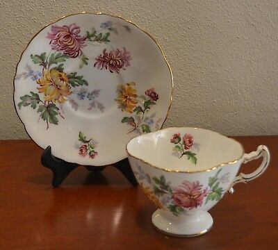 Hammersley AUTUMN GLORY Vintage Footed Teacup & Saucer Made in England Fr 1950's