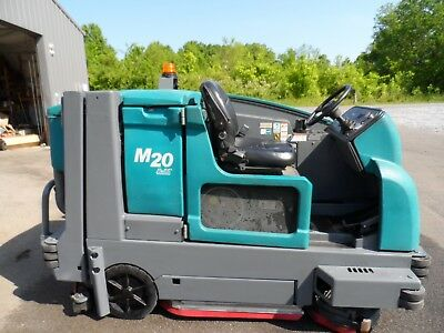 Tennant M20 sweeper/scrubber L.P. Totally Serviced