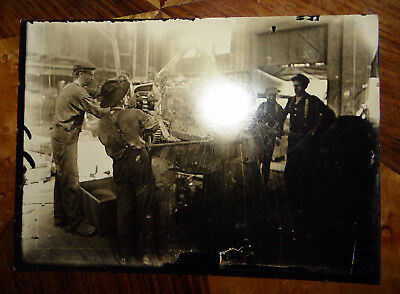 Original Lewis Wickes Hine -Pouring steel in small old-time 1909 ,Silver Print