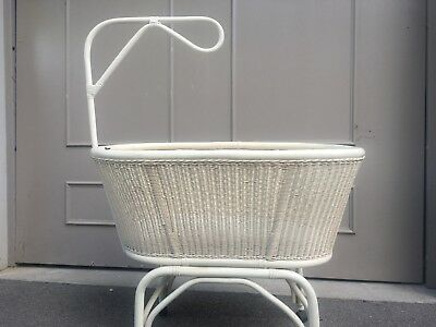 Classic cane bassinet, large, white, with stand and casters