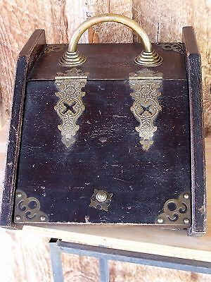 Antique VTG Decorative Fireplace Wood & Brass Kindling Coal Scuttle w Tin Insert
