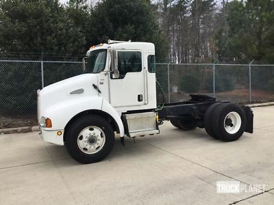2007 Kenworth T300 S/A Day Cab Truck Tractor
