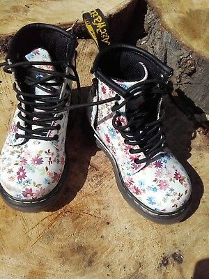 White flower doc martens flowers healthy doc martens toddler uk size 6 eu23 white with flowers brooklee mightylinksfo