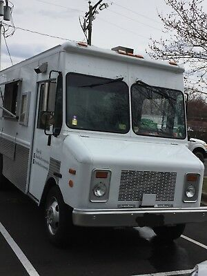 Custom Workhorse Food Truck Low Mileage 30,000k, Good Condition!! Sold As-Is