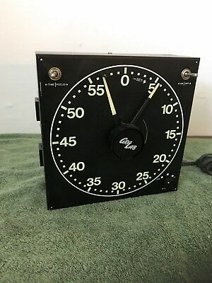 Vintage Cra Lab Darkroom Timer Model 300 Analog Dimco-Gray USA 125 VAC 60 HZ