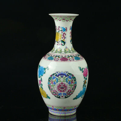 Chinese Porcelain Hand-Painted Flower Vase Mark As The Qianlong Period R1020