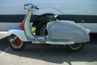 Italian lambretta li150 1960 series 2 for restoration and running,or use as is