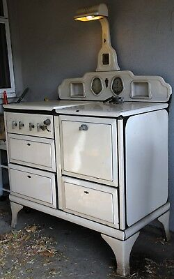 Vintage O'Keefe and Merritt gas stove and oven