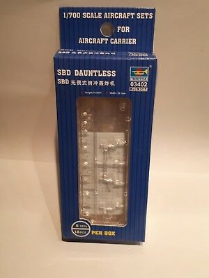 Trumpeter 03402 SBD Dauntless US Navy Air Force Fighter Aircraft Carrier 1:700