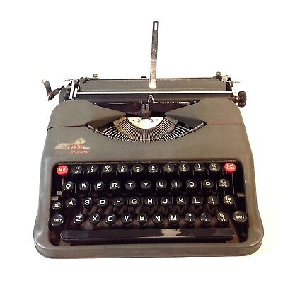Vintage EMPIRE ARISTOCRAT Portable Compact Typewriter