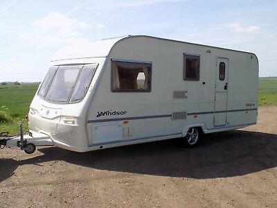 4-berth caravan -- Avondale Argente 550 Windsor. 2004 year. Full Dorema Awning