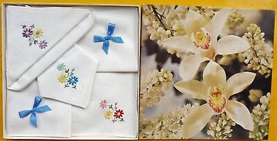 3 Vintage White Cotton Floral Embroidered Hankies In Floral Box