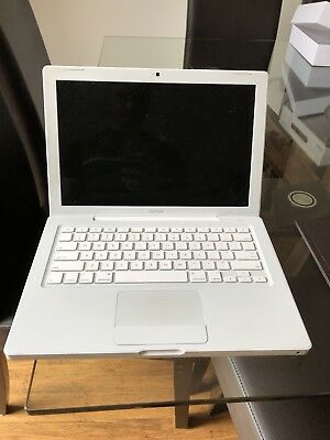 "2008 Apple MacBook 13"" White in original box (battery not charging)"