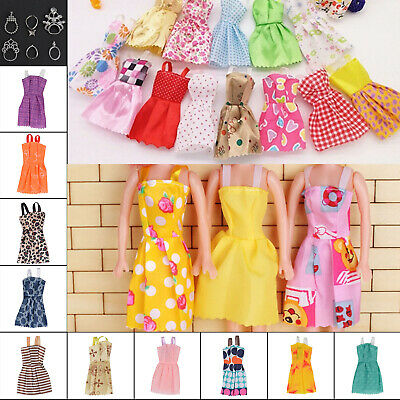 30 Dolls Set Pieces Barbie Doll Dresses Shoes & Hangers Clothes Set Uk