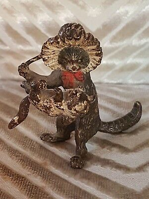 Vienna Bronze Animalier Mother Cat Playing With Kitten