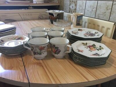 """Johnson Bros Tableware Fresh Fruits design: T-cups & saucers, 4"""" and 6"""" sides"""