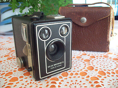 "KODAK  Six-20 ""Brownie"" model D ,  Antique Box Camera with Original Case."