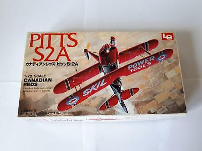 LS L2 A200 Pitts Canadian Reds Show Flying Aircraft Biplane Doppeldecker 1:72