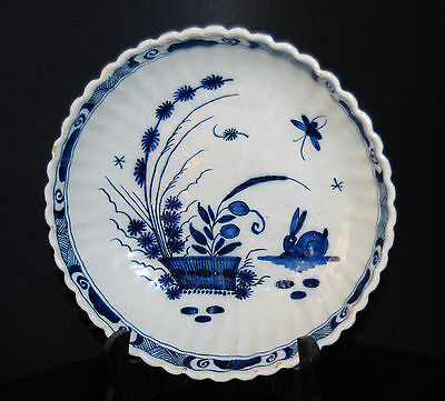 DUTCH DELFT XVIII 18th CHINESE PATTERN RABBIT BUTTERFLY FLOWERS SCALLOPED