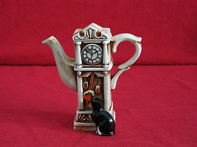 **spiffing Cardew Grandfather Clock With Pussy Cat Teapot** **brill Condition**