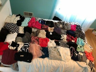 HUGE LOT 75-100 pieces Juniors/Teen clothing consignment retail XS/SMALL