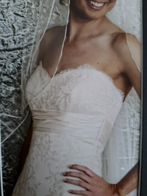 Simonelli Couture Wedding Dress - Size 8 - 10