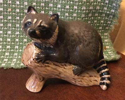 RARE BEAUTIFUL BESWICK RACCOON ON LOG  No.2194