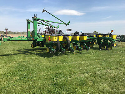 John Deere 7200 16 Row Vaccum Planter With No Till 15 900 00