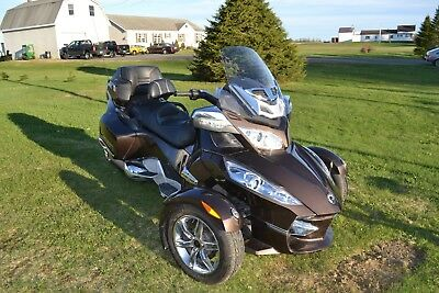 2012 Can-Am RT Limited  Top of the line 2012 RT Limited Can Am Spyder. Touring Package   Fully loaded