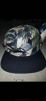 b7034c2e0e6bf MENS STAPLE Snapback Pigeon HAT ONE SIZE Feathers Color Olive Money Green  NWT