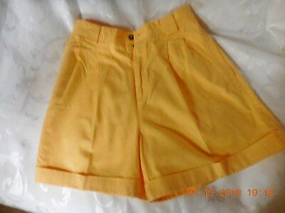 LIZ  CLAIRBORNE   LIZ SPORT  Ladies  summer shorts YELLOW  Size 6 ,