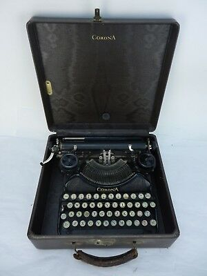 Vintage L.C. Smith & Corona 4 Professional Portable Typewriter V3B04407-T