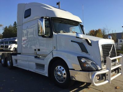 2015 VOLVO VNL 670 488,974 Miles Automatic  GUARANTEED FINANCING