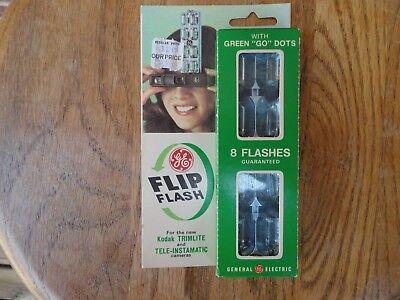 GE Flip Flash 8 Flashes with Green GO Dots 1 package never opened