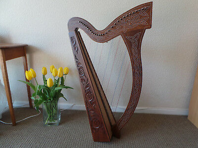 Celtic Harp 29 strings - beautiful sound; case, tuning tool and spare strings