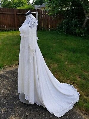 vintage lace wedding dress 1950 1960 ivory with train